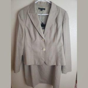 Lafayette 148 Virgin Wool 2 Piece Skirt Suit